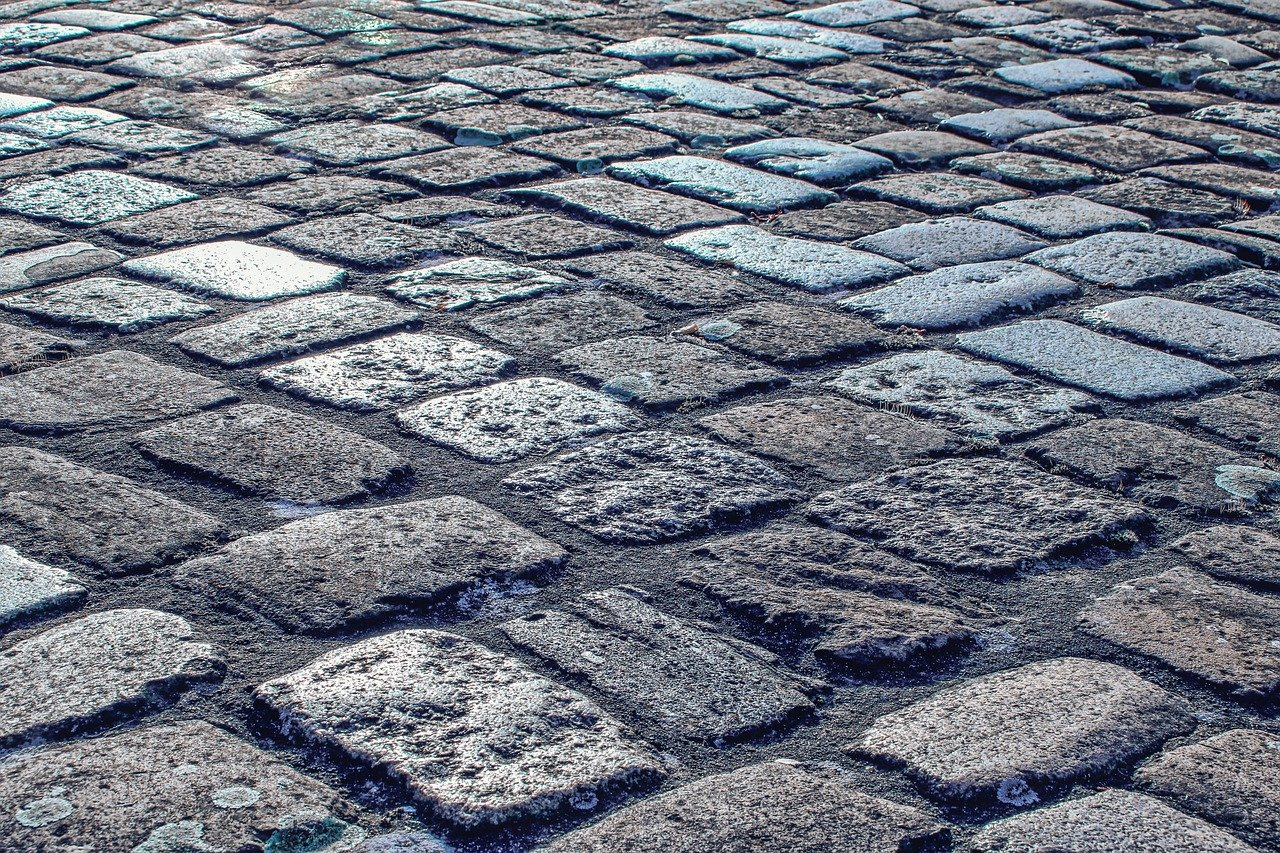 UK best rated paving contractors in Newton Bromswold, NN10